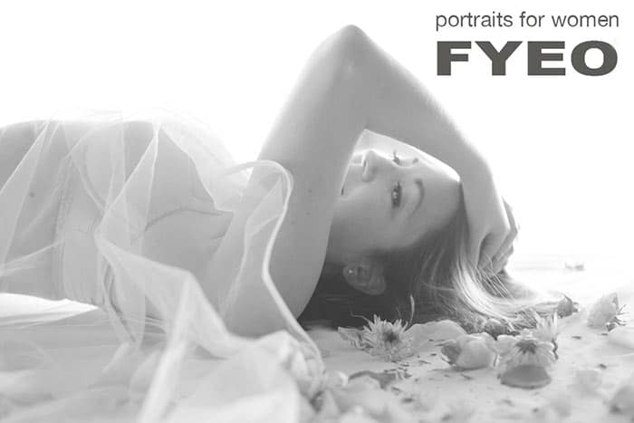 boudoir phot showing lafy in bridal boudoir photo