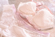 bring your wedding lingerie to wear for your bridal boudoir shoot
