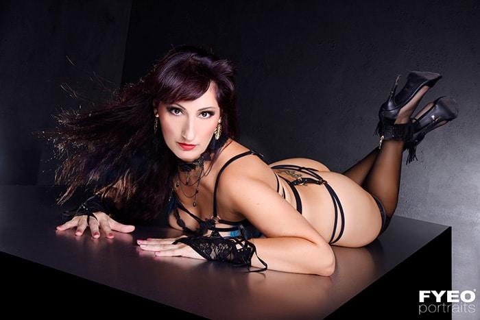 sexy nude boudoir photoshoot