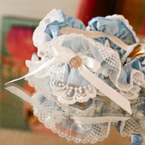 what to bring to bridal boudoir photoshoot