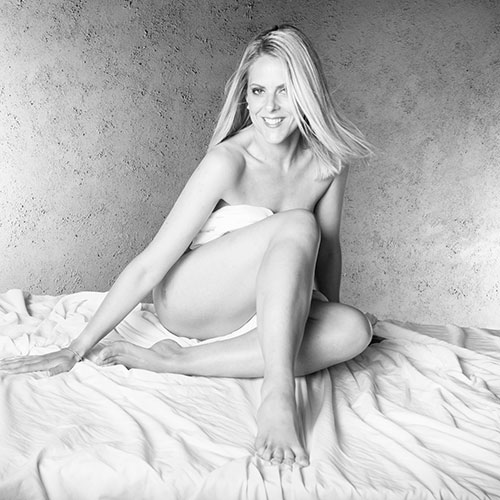 Stef bed sheet nude